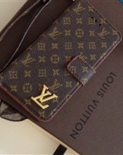 louis vuitton t..