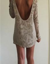 Selger min AllSaints kjole fordi den aldri blir brukt. Er brukt kun en gang. En populær kjole sett p..