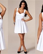 Three little words - white cut out prom dress fra Nelly, helt ny med merkelappen på! Selges fordi de..