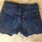 Levis shorts str. 27&quot;